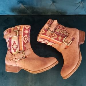 Call it Spring southwestern print ankle boots sz10